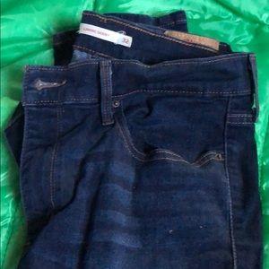 Levi's jeans size 32